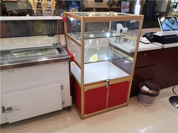 铜锣湾蒂兰圣雪冰淇淋专柜
